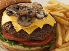 cheeseburger with mushrooms