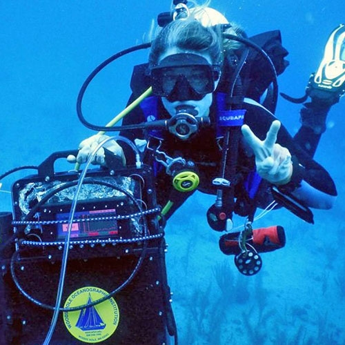 Colleen Hansel scuba diving with DISCO